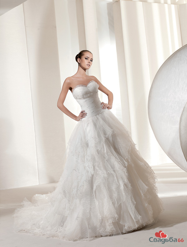Pronovias Fashion Group La Sposa 2011 collection фото