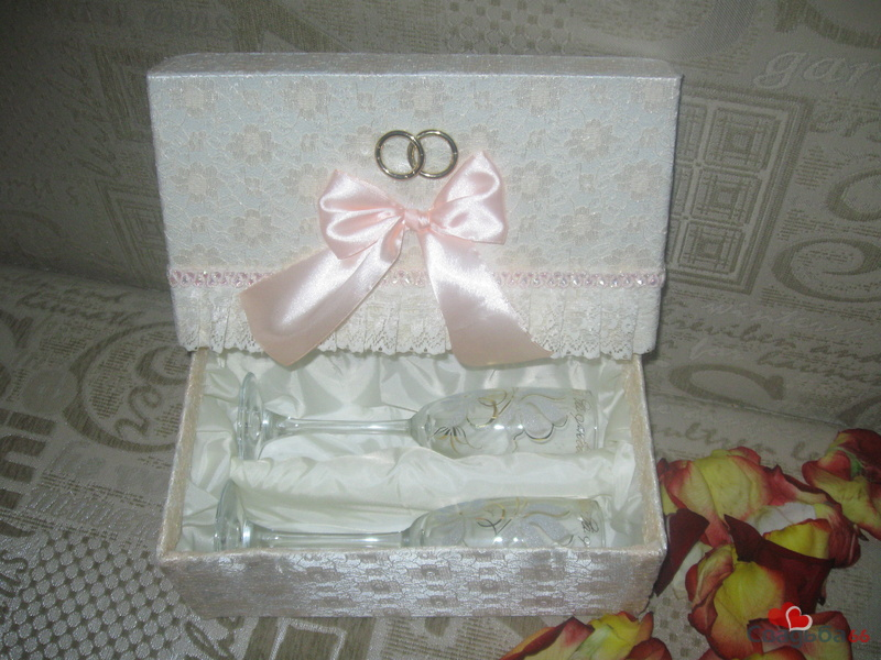 Коробка для бокалов (всё делали в одном стиле) .